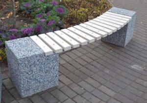 скамейка из мытого бетона и гранитной крошки
