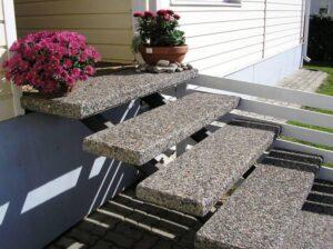 ступенки из мытого бетона